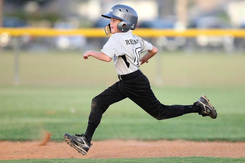 kids-playing-sports
